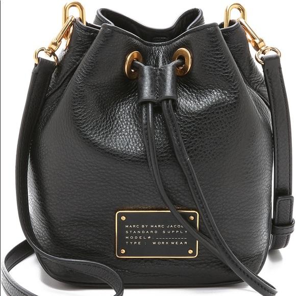 6f972af4f95f MARC JACOBS standard supply bucket leather purse. M 5c54baeb534ef96bd2b01cc1